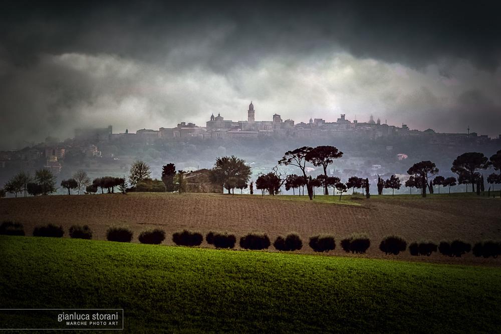 Sotto il colle di Novembre - Gianluca Storani Photo Art (ID: 1-7427)