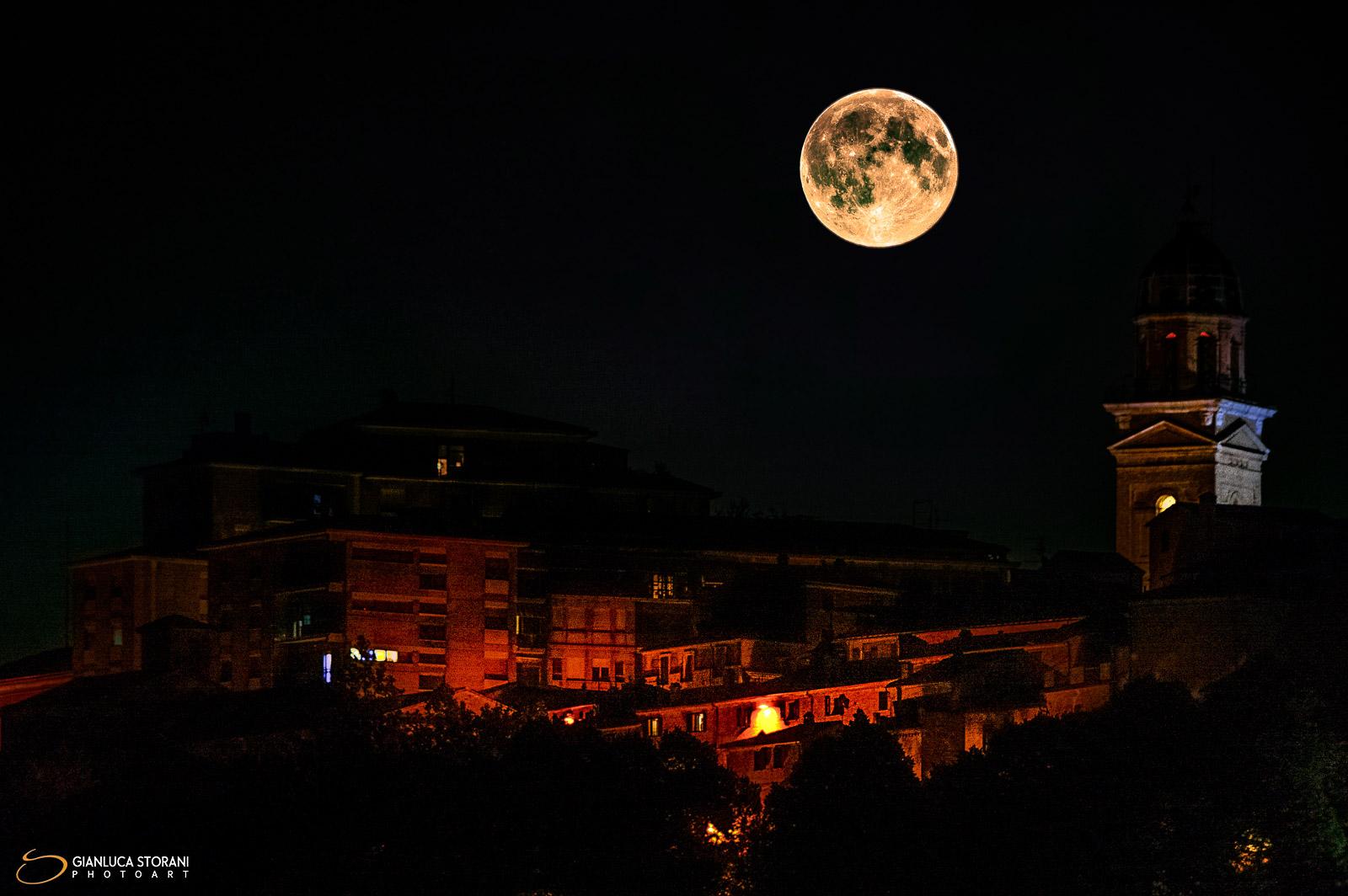 Alba di Luna a Macerata (ID: 3-8927)