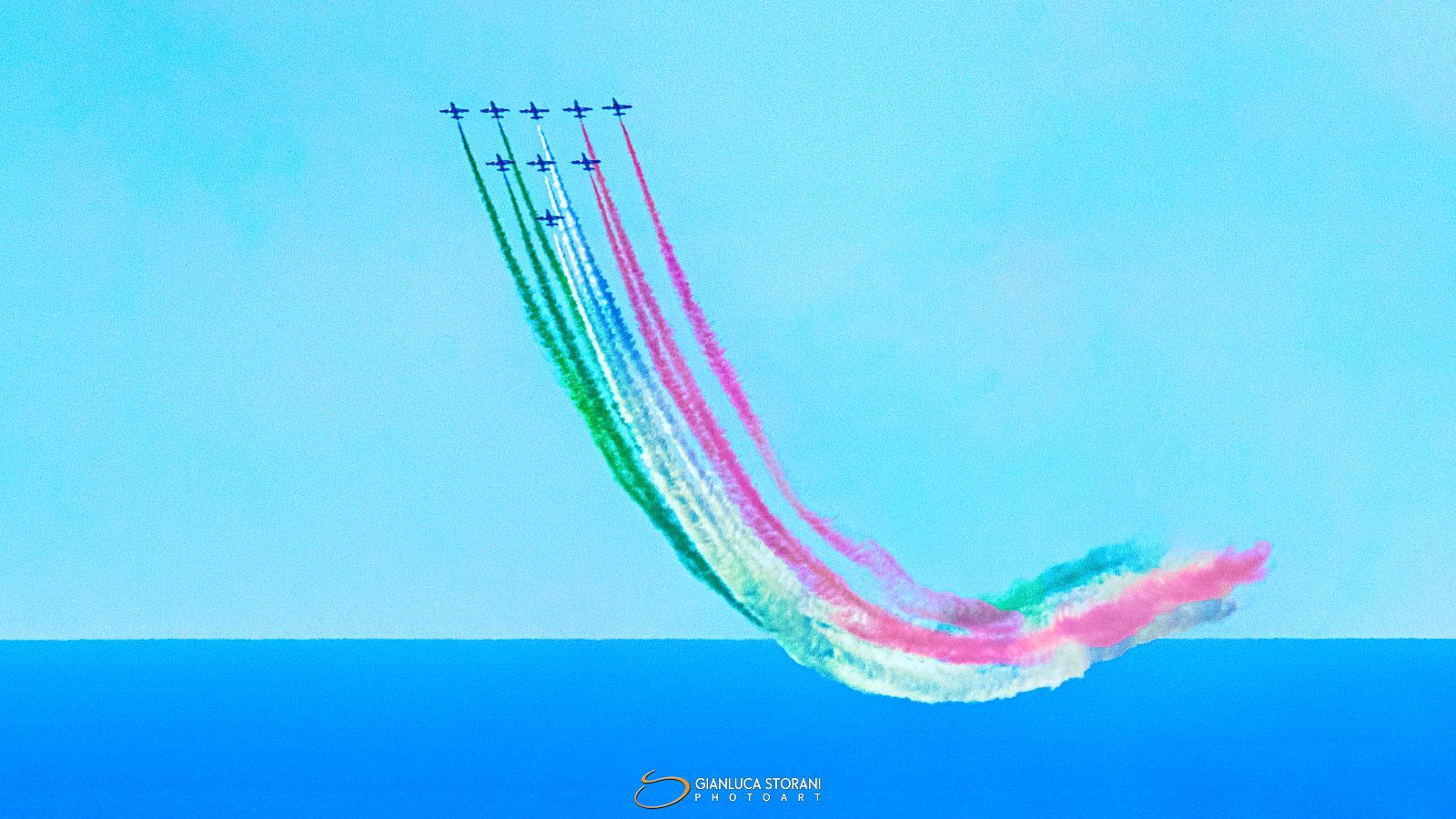 Le Frecce Tricolori tra cielo e mare - Gianluca Storani Photo Art (ID: 4-0894)