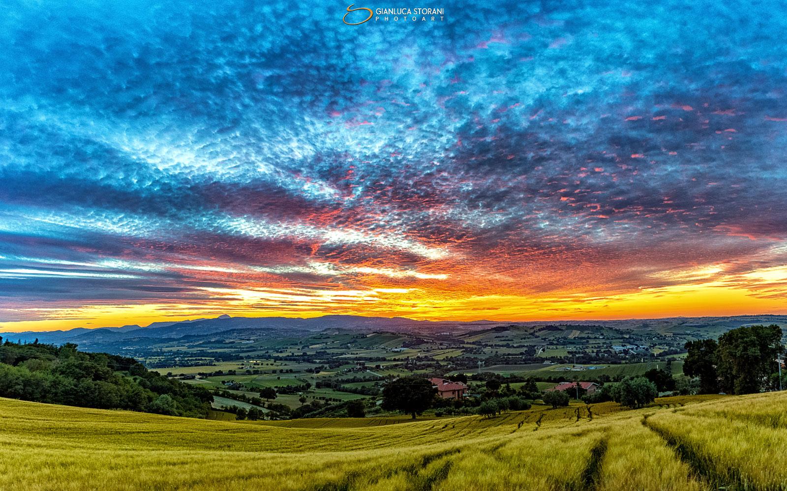 Magico tramonto di fine Maggio - Gianluca Storani Photo Art (ID 2-7372)