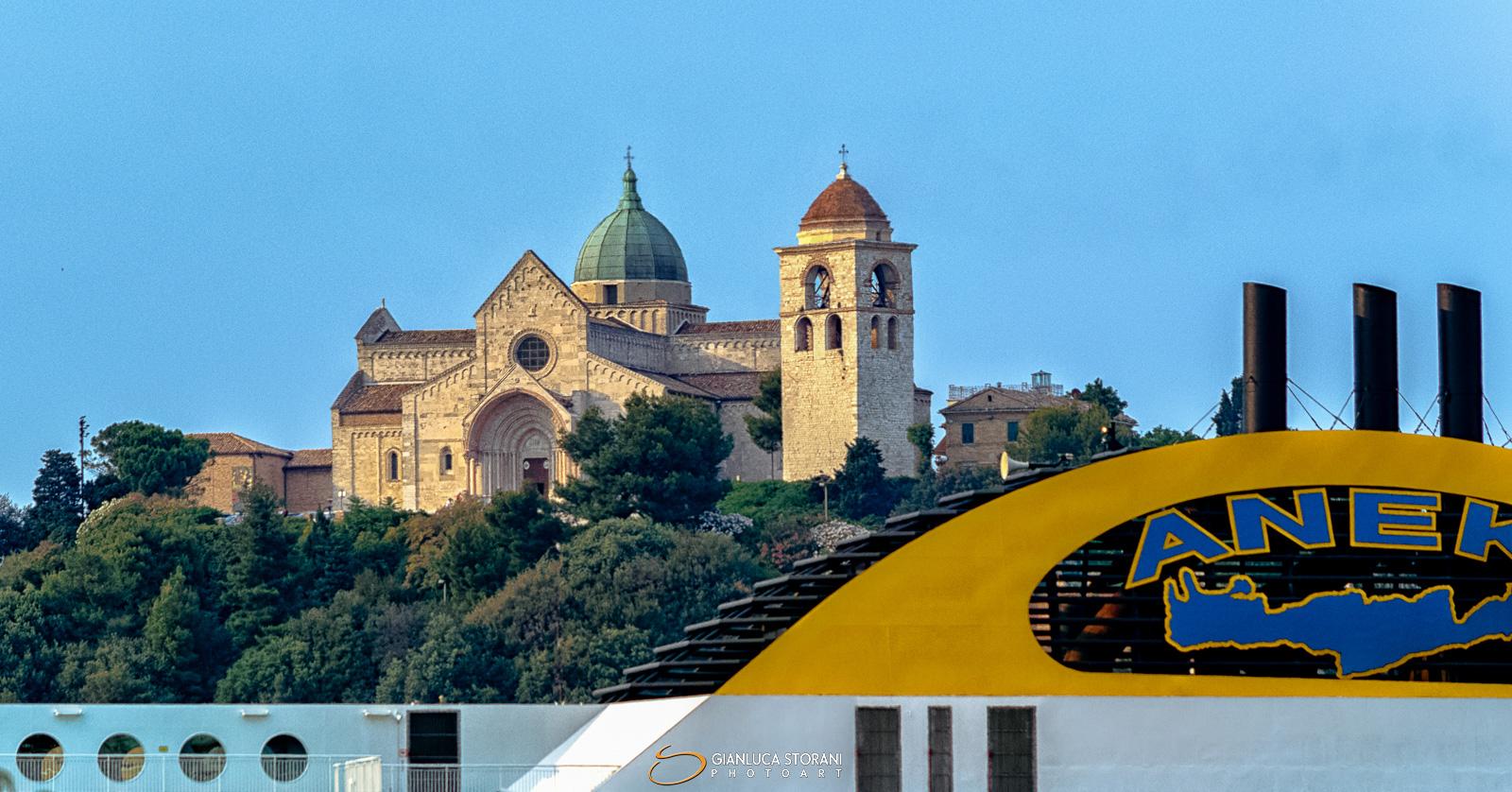La Cattedrale di San Ciriaco dal Porto di Ancona - Gianluca Storani Photo Art (ID: 3-9094)