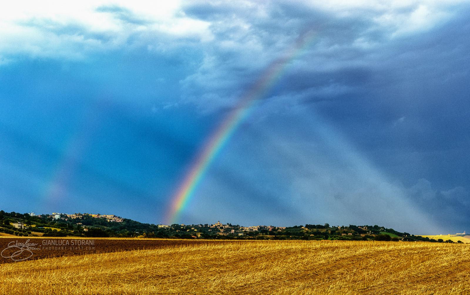 L'arcobaleno di raggi divini - Gianluca Storani Photo Art (ID: 4-3790)