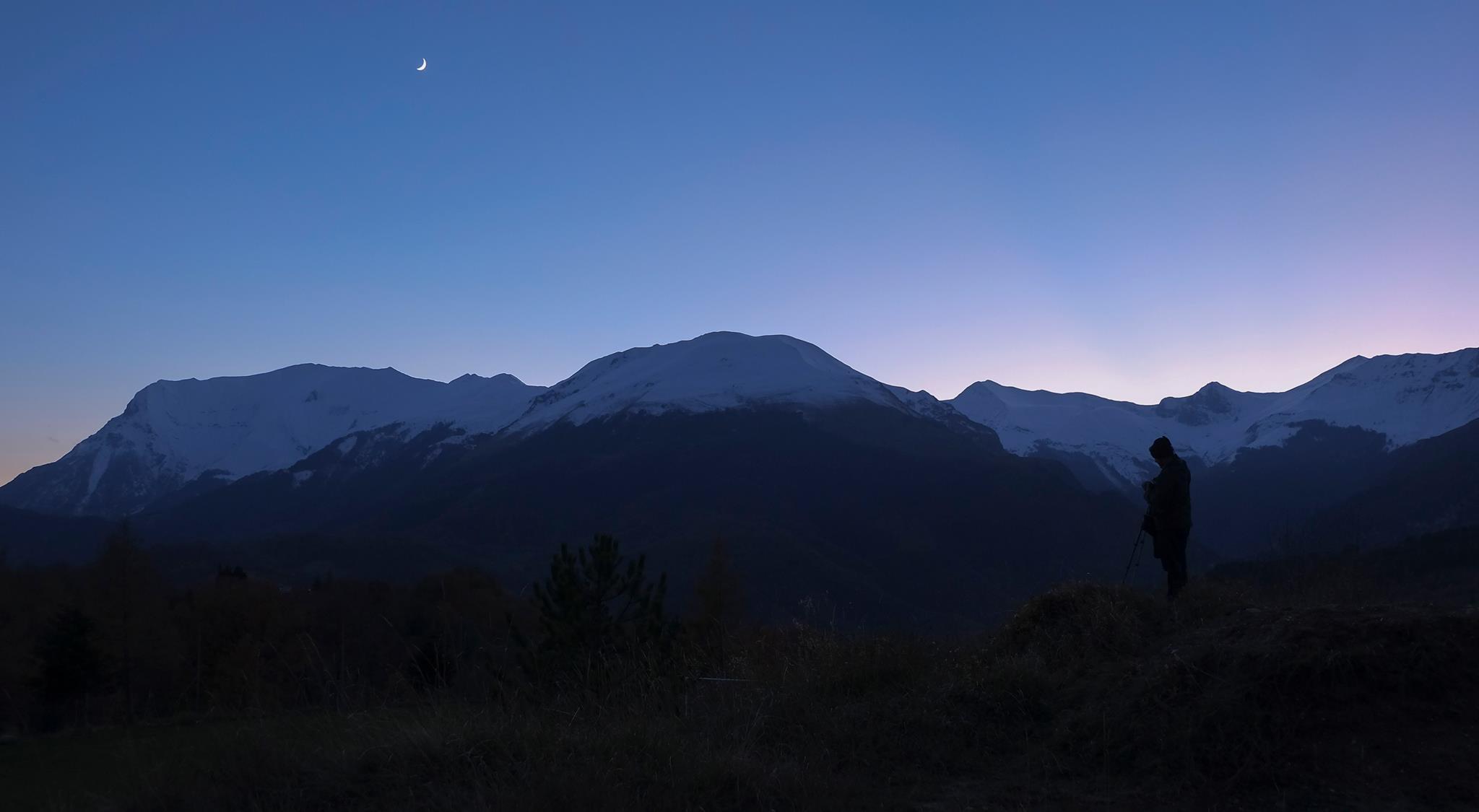 Dietro le quinte sotto il Vettore e la Luna - Foto di Candida De Angelis