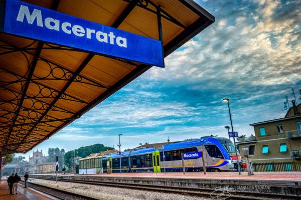 La Stazione Swing - Gianluca Storani Photo Art (ID: 1-9582)