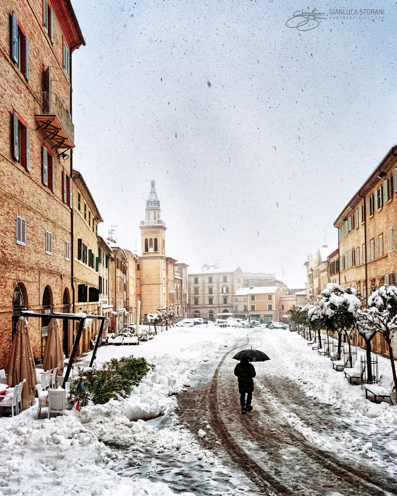 Neve in Piazza Mazzini - Gianluca Storani Photo Art (ID: 3-3946)