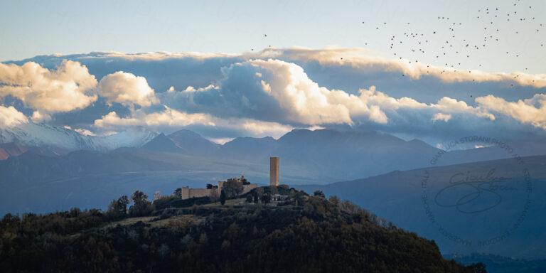 Il misterioso castello di Pitino visto da nord