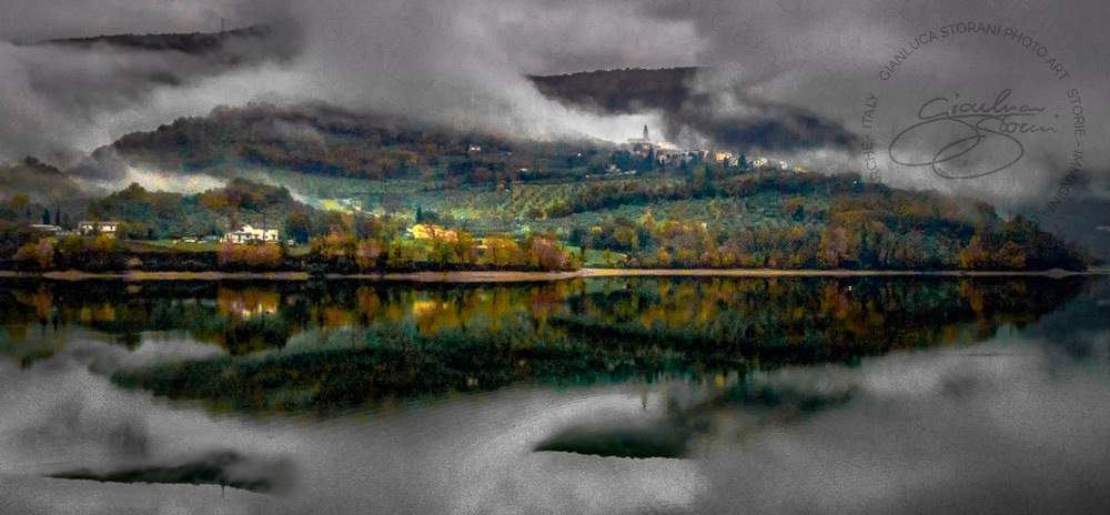 Il Lago di Caccamo e la nebbia